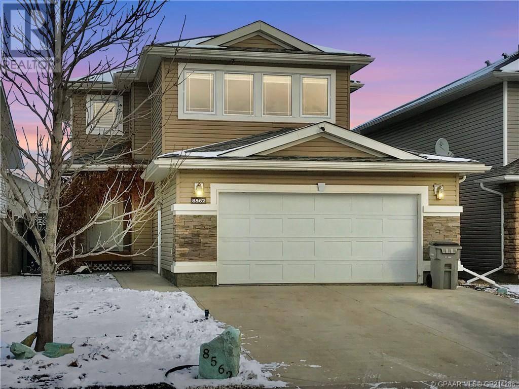 House for sale at 8562 70 Ave Grande Prairie Alberta - MLS: GP214288