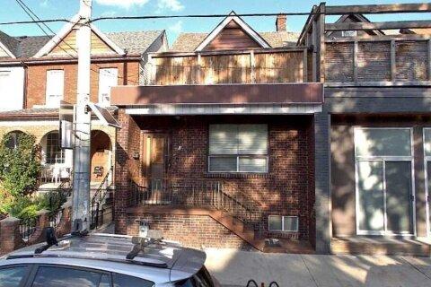 Townhouse for sale at 859 Lansdowne Ave Toronto Ontario - MLS: W5003211