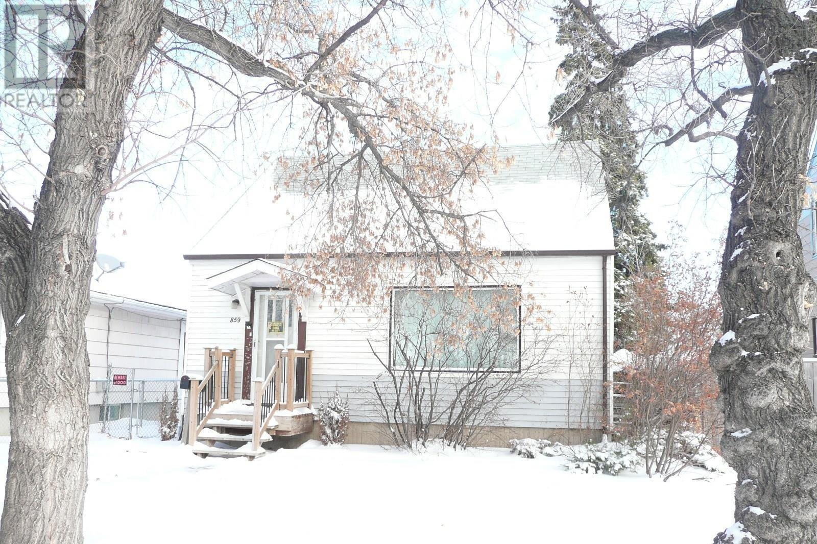 House for sale at 859 Pasqua St Regina Saskatchewan - MLS: SK833466