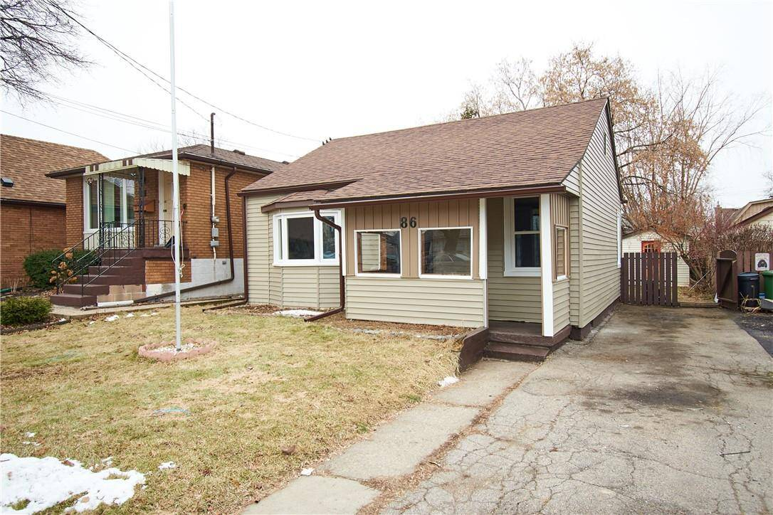 House for sale at 86 32nd St East Hamilton Ontario - MLS: H4071392