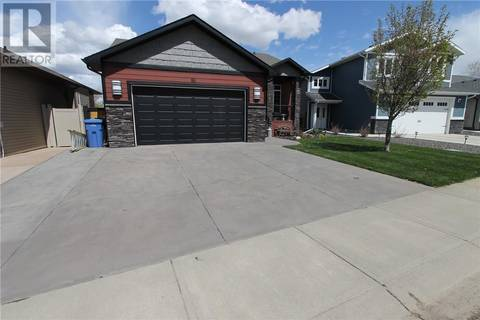House for sale at 86 Greenwood Ct Sw Medicine Hat Alberta - MLS: mh0166032