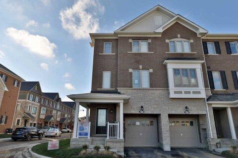Townhouse for rent at 86 Hibiscus Ln Hamilton Ontario - MLS: X4970933