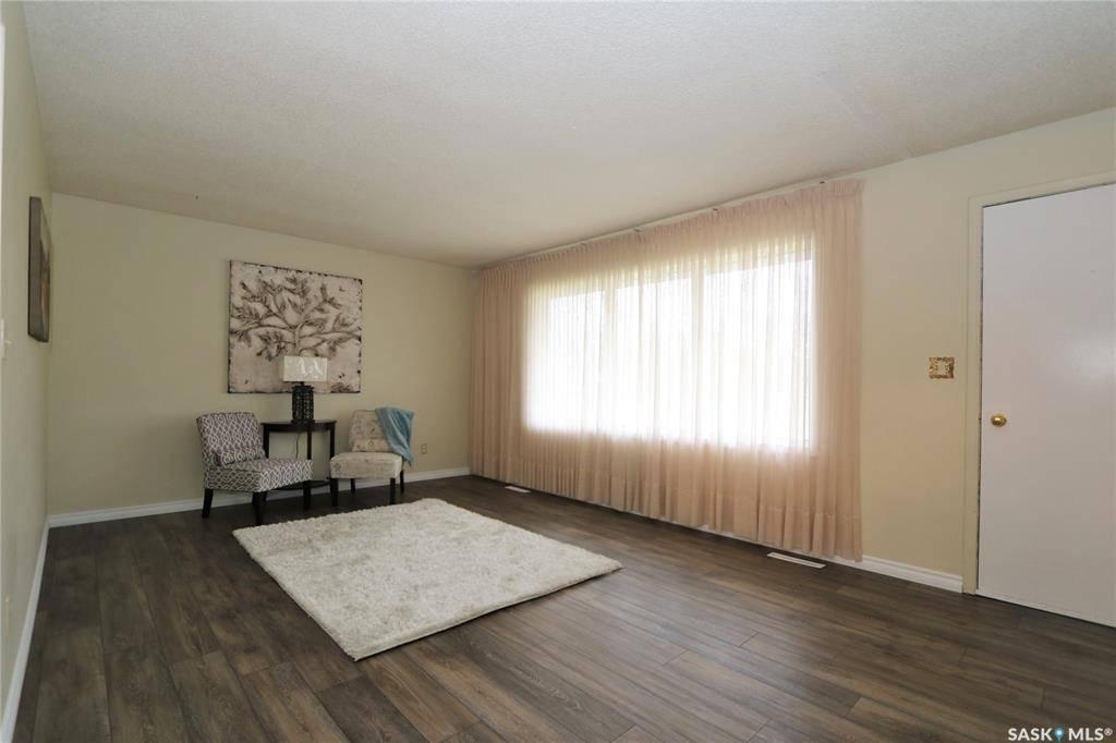 House for sale at 86 Ontario Ave Yorkton Saskatchewan - MLS: SK760236
