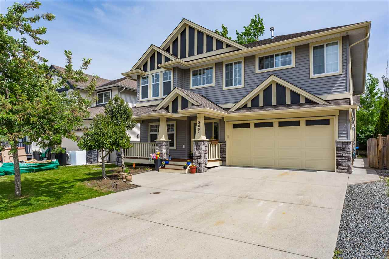 Sold: 8606 Tupper Boulevard, Mission, BC
