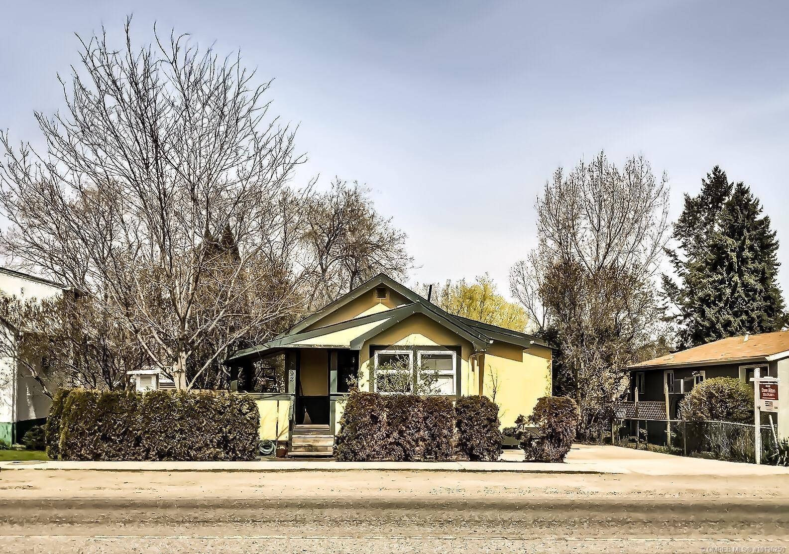 House for sale at 862 Cadder Ave Kelowna British Columbia - MLS: 10196250