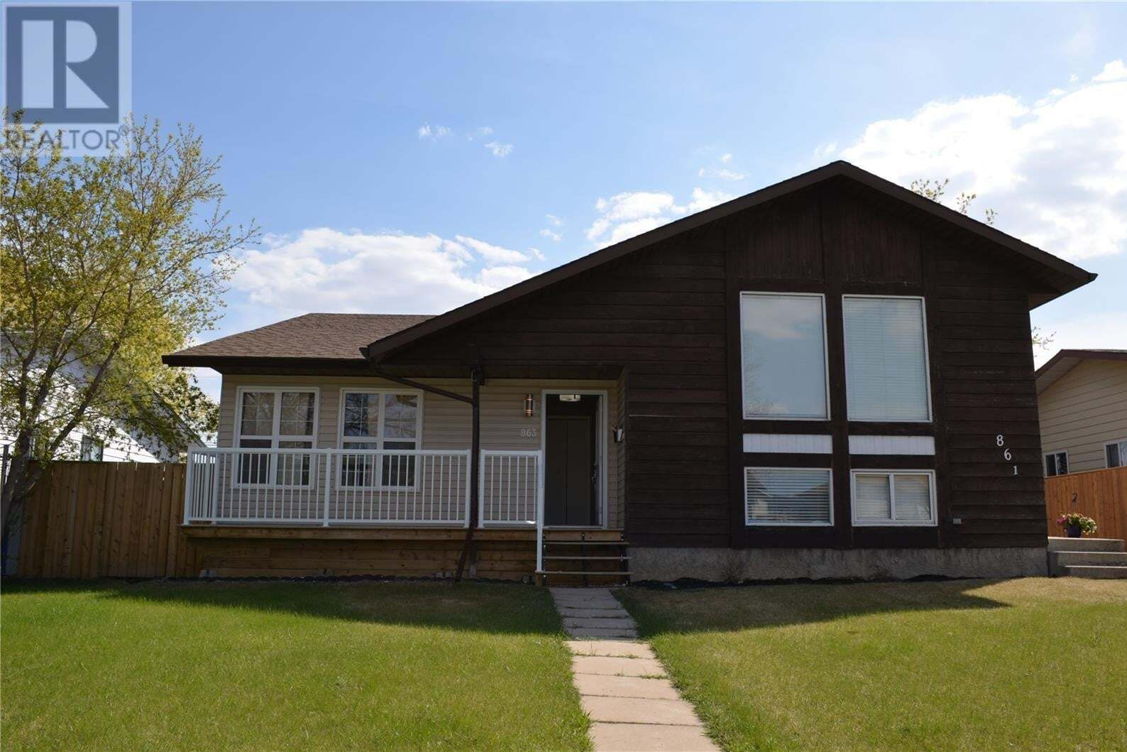 House for sale at 863 7th St E Prince Albert Saskatchewan - MLS: SK810292