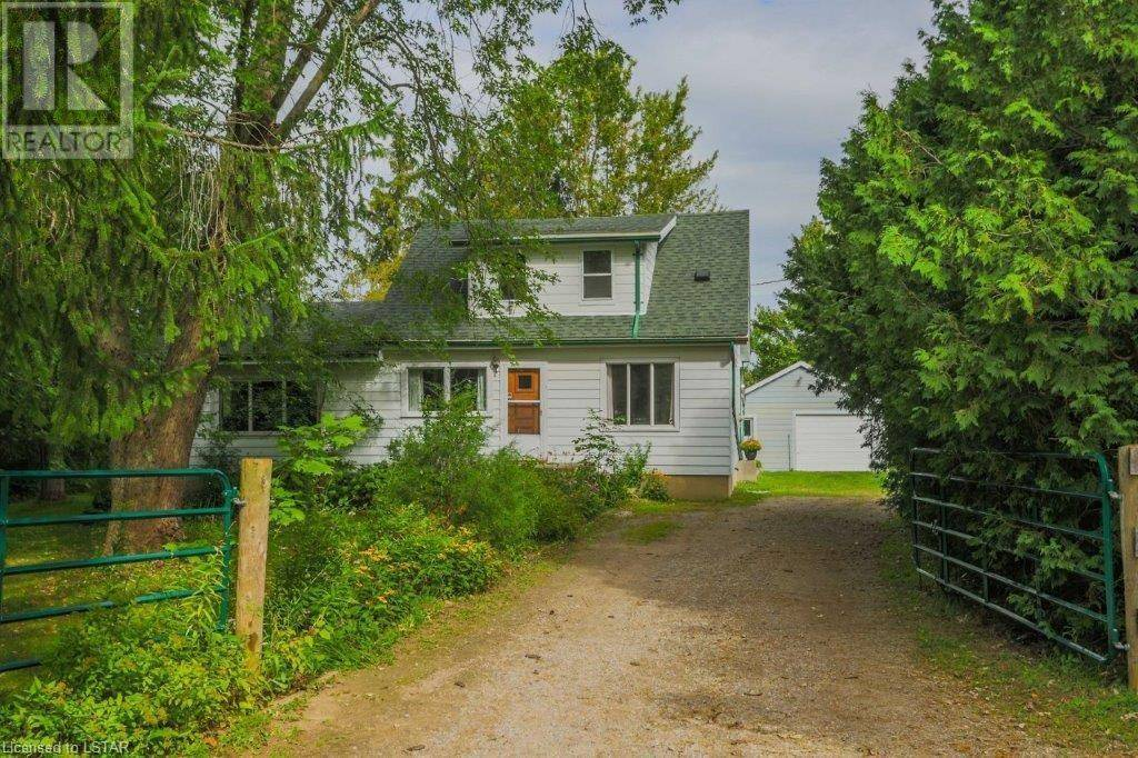 House for sale at 8632 Switzer Dr Mount Brydges Ontario - MLS: 221956