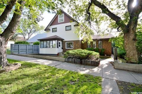 House for sale at 865 Algoma Ave Moose Jaw Saskatchewan - MLS: SK785557
