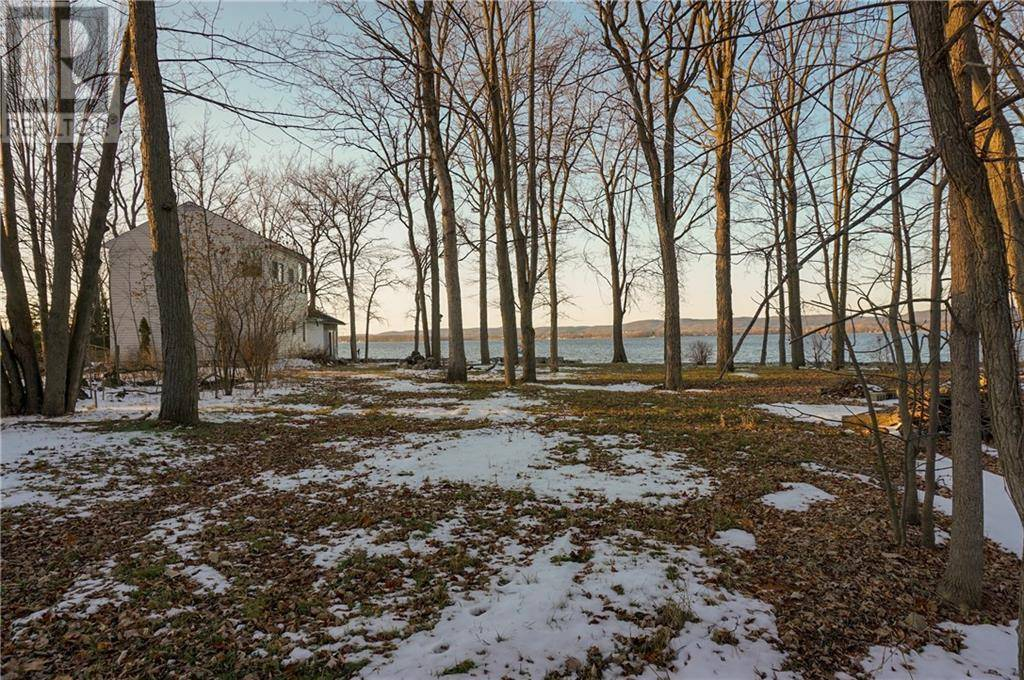 Residential property for sale at 866 Bayview Dr Constance Bay Ontario - MLS: 1170165