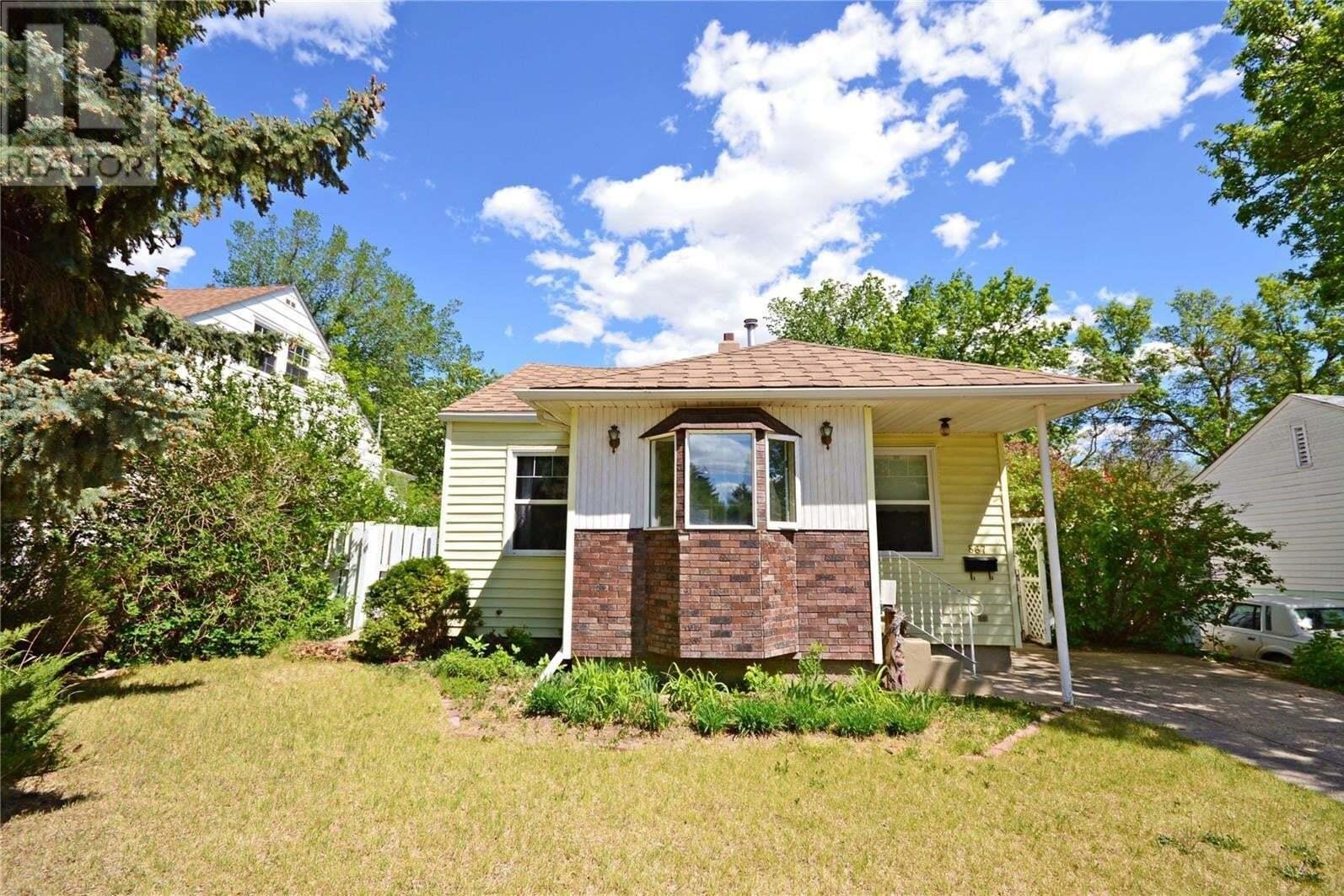 House for sale at 867 Monk Ave Moose Jaw Saskatchewan - MLS: SK810657