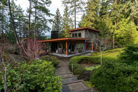 House for sale at 8688 Redrooffs Rd Halfmoon Bay British Columbia - MLS: R2432919