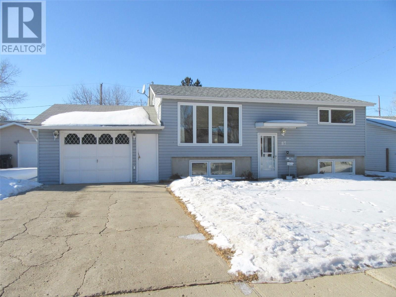 Removed: 87 13th Street, Weyburn, SK - Removed on 2020-04-01 06:03:09