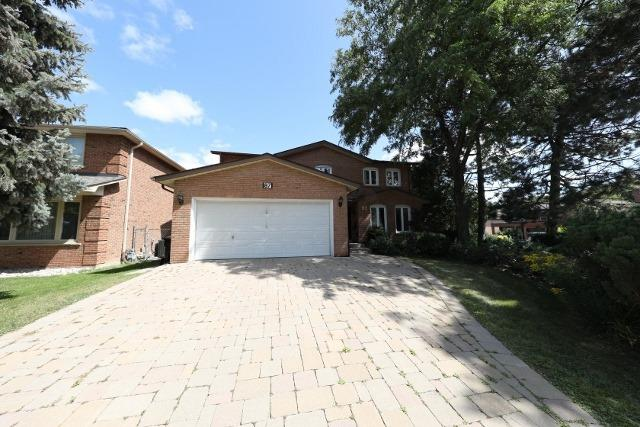 For Rent: 87 Mossgrove Trail, Toronto, ON | 4 Bed, 4 Bath House for $4,450. See 20 photos!