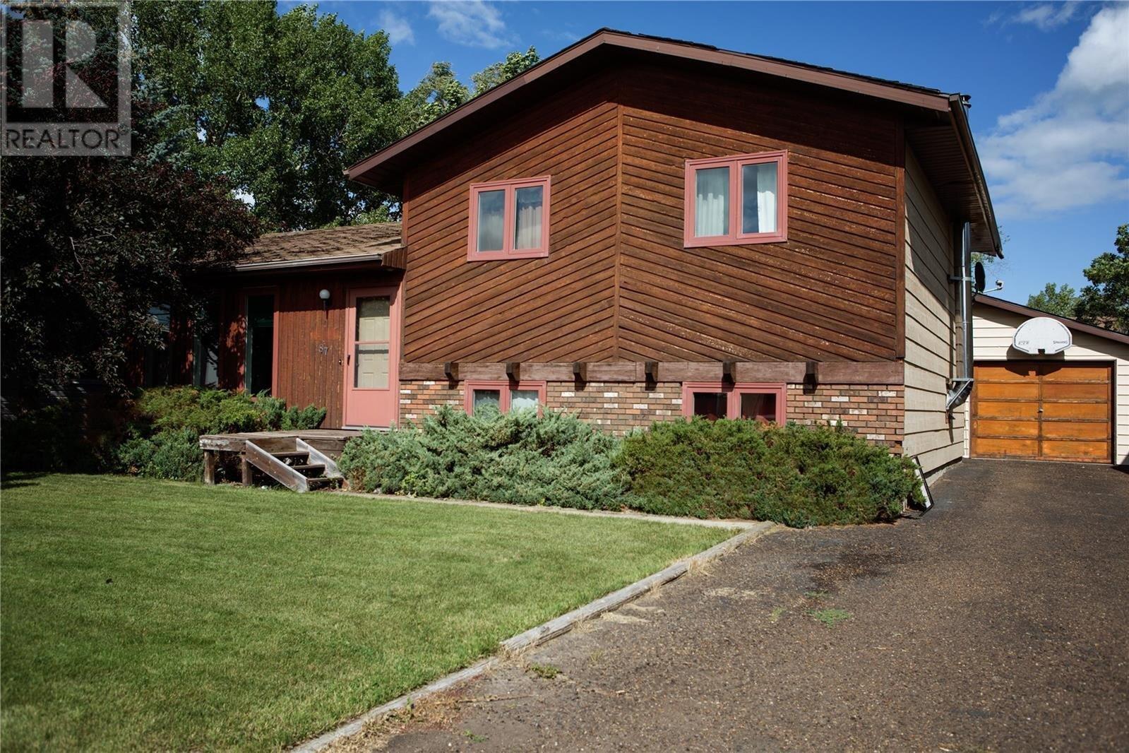 House for sale at 87 Patricia Dr Coronach Saskatchewan - MLS: SK819148