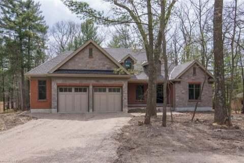 House for sale at 8713 Timberwood Tr Lambton Shores Ontario - MLS: 261301