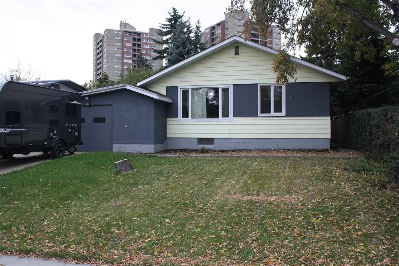 House for sale at 8718 164a St Nw Edmonton Alberta - MLS: E4180249