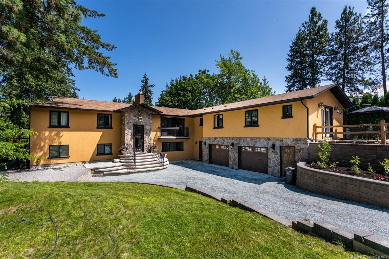 House for sale at 872 Paret Rd Kelowna British Columbia - MLS: 10187538