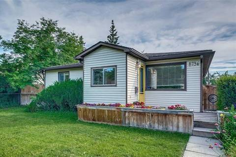 House for sale at 8736 34 Ave Northwest Calgary Alberta - MLS: C4258660