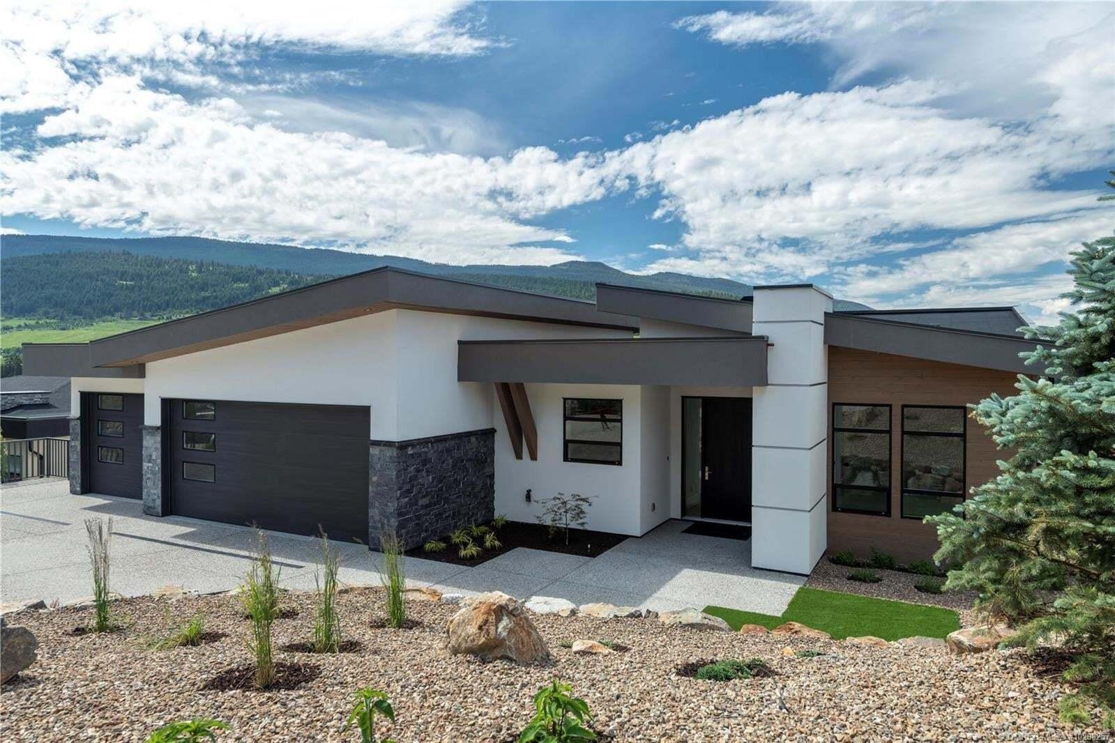 House for sale at 8748 Braeburn Pl Coldstream British Columbia - MLS: 10208257