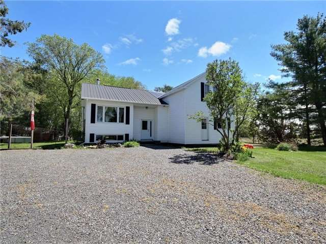 For Sale: 875 North Russell Road, Russell, ON | 4 Bed, 2 Bath House for $495,000. See 19 photos!