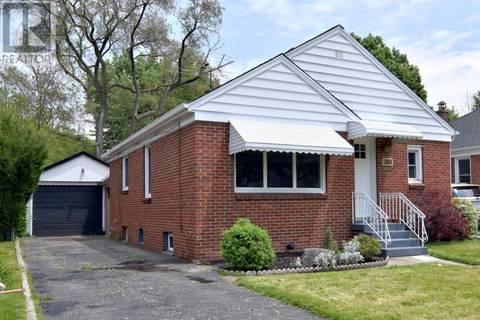 House for sale at 876 Matthew Brady  Windsor Ontario - MLS: 19020432