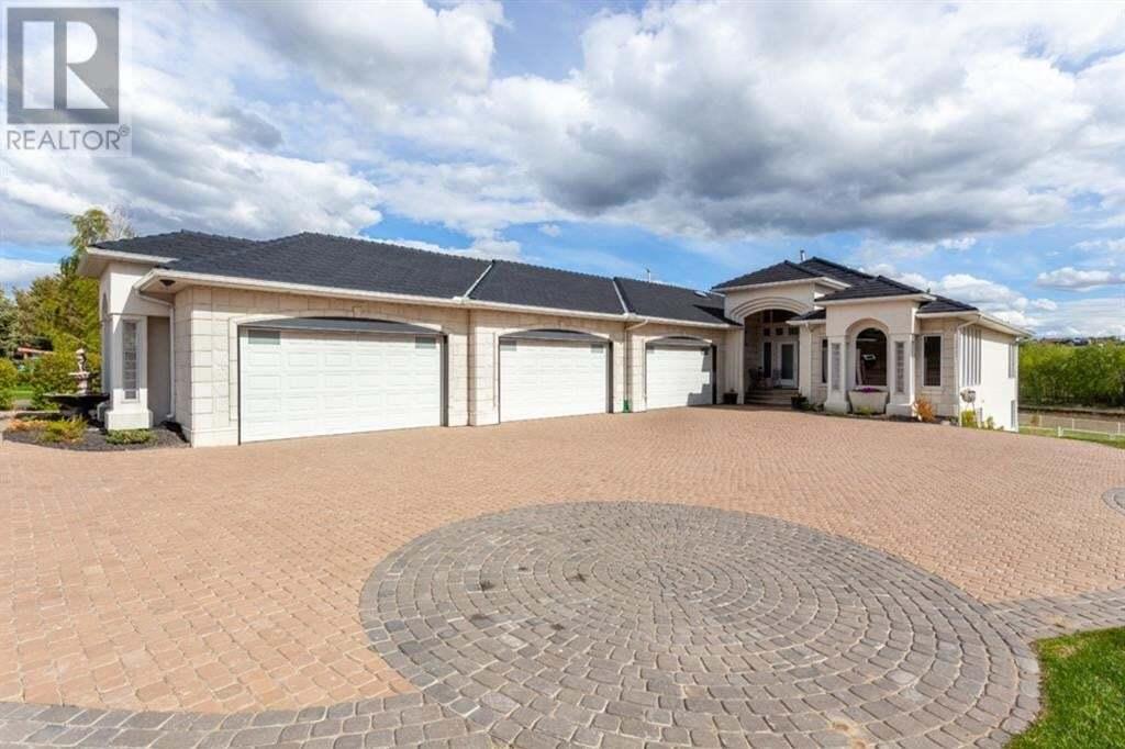 House for sale at 877 3 St Northwest Medicine Hat Alberta - MLS: MH0193631