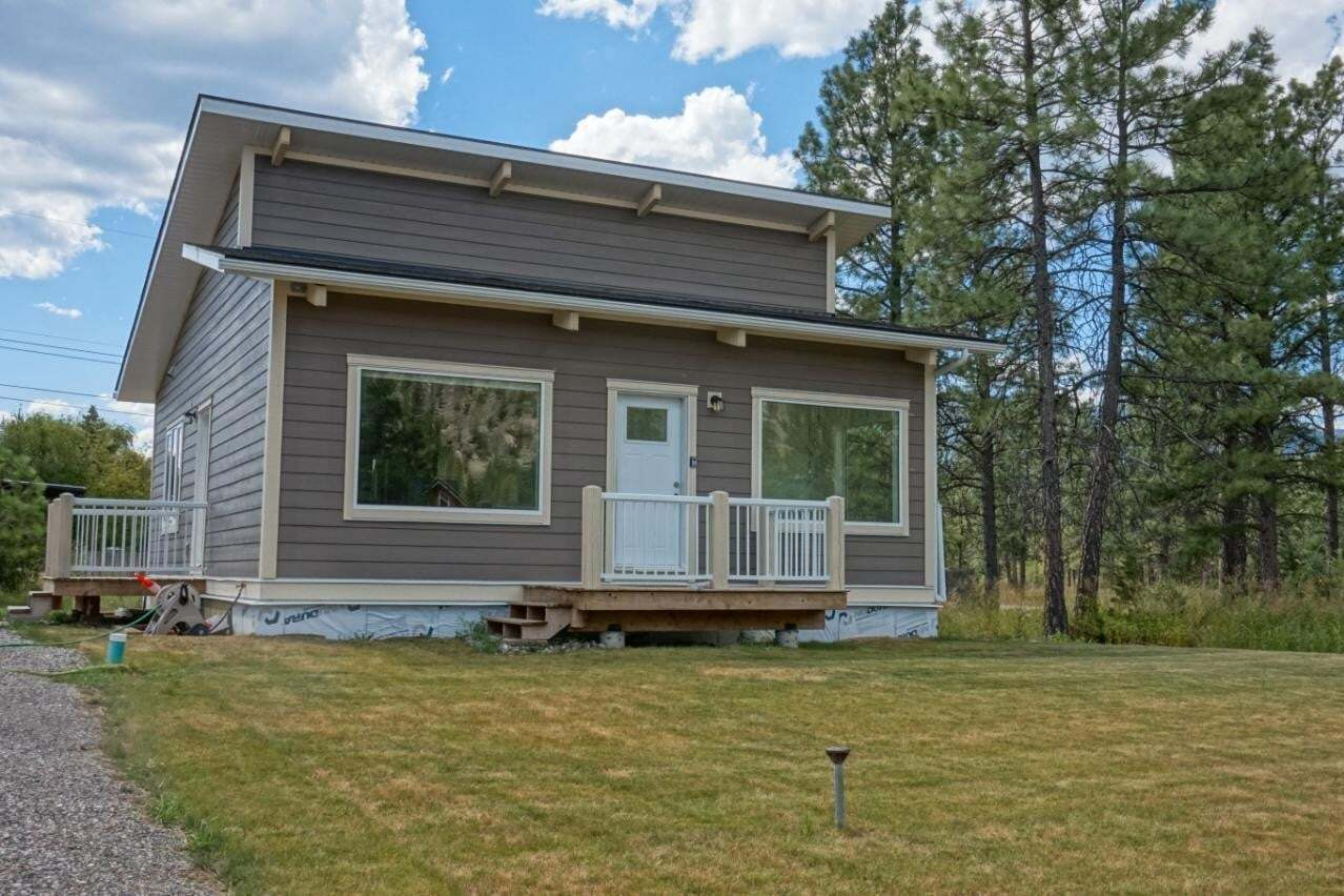 House for sale at 8771 Mountain View Street  Canal Flats British Columbia - MLS: 2453361