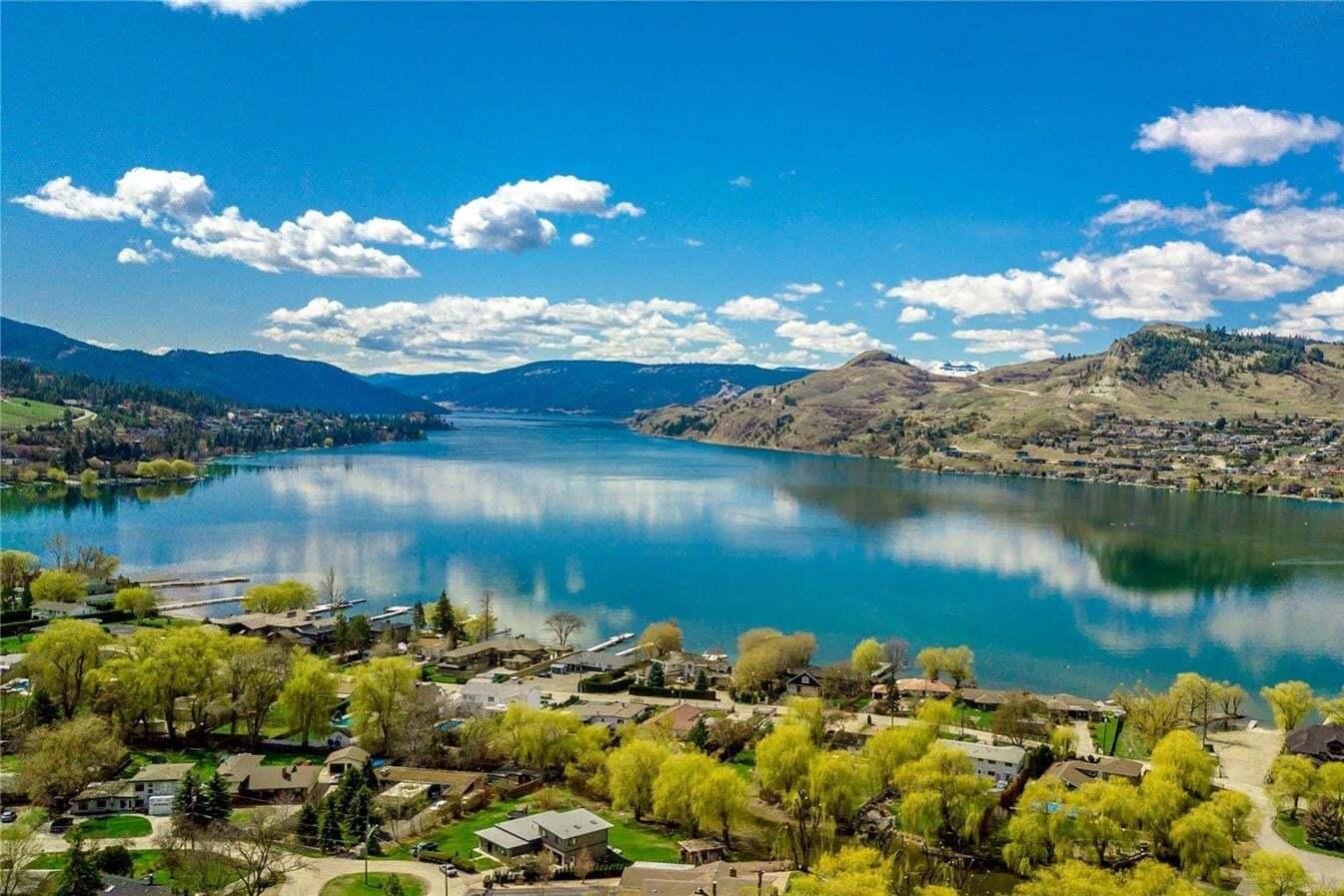 House for sale at 8790 Braeburn Dr Coldstream British Columbia - MLS: 10215271