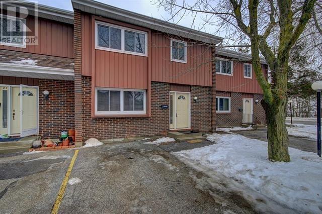 Buliding: 121 University Avenue East, Waterloo, ON