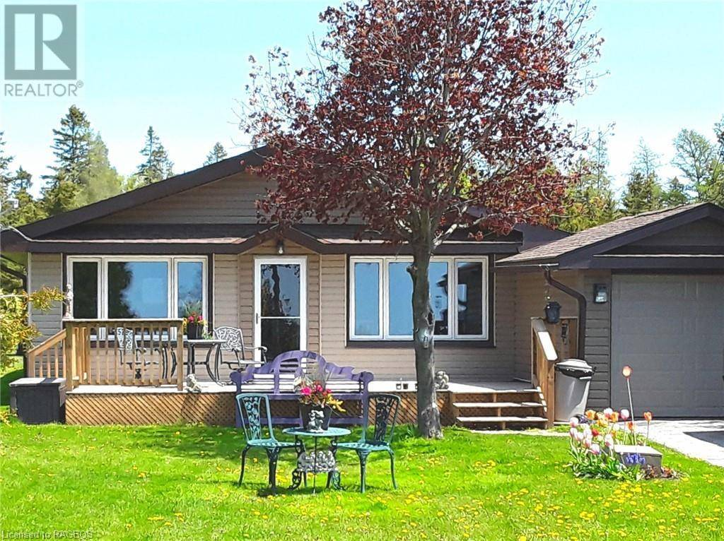 House for sale at 881 Pike Bay Rd Northern Bruce Peninsula Ontario - MLS: 211514