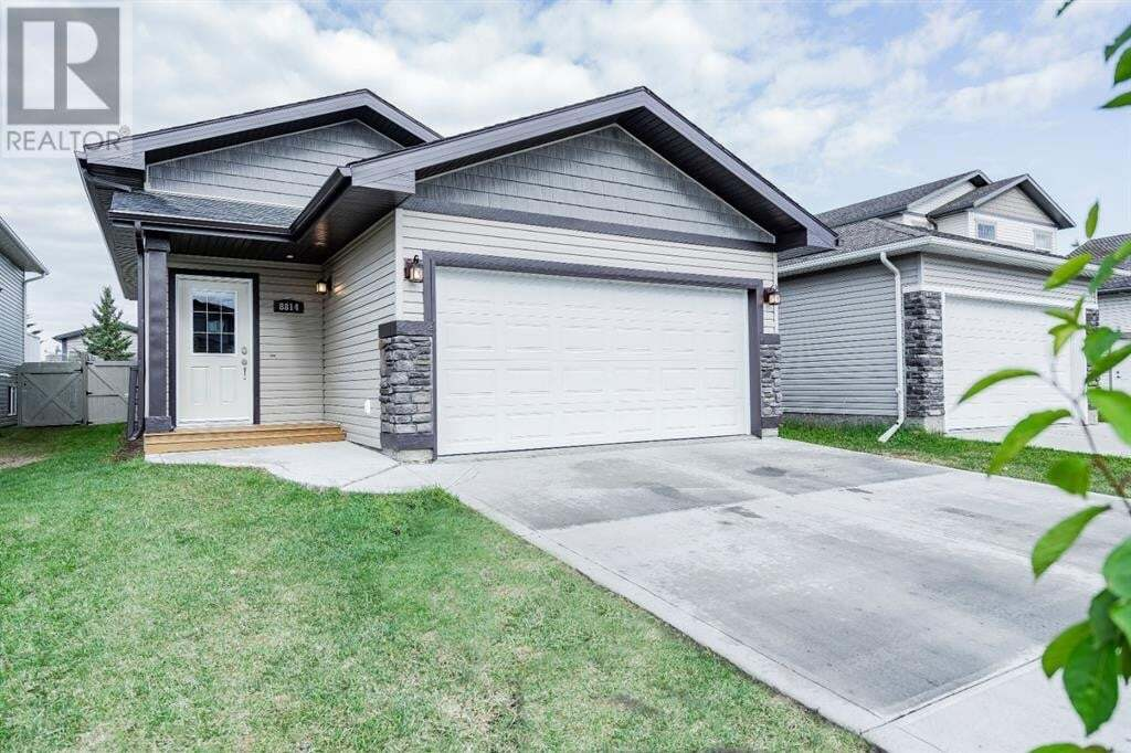 House for sale at 8814 Willow Dr Grande Prairie Alberta - MLS: A1001199
