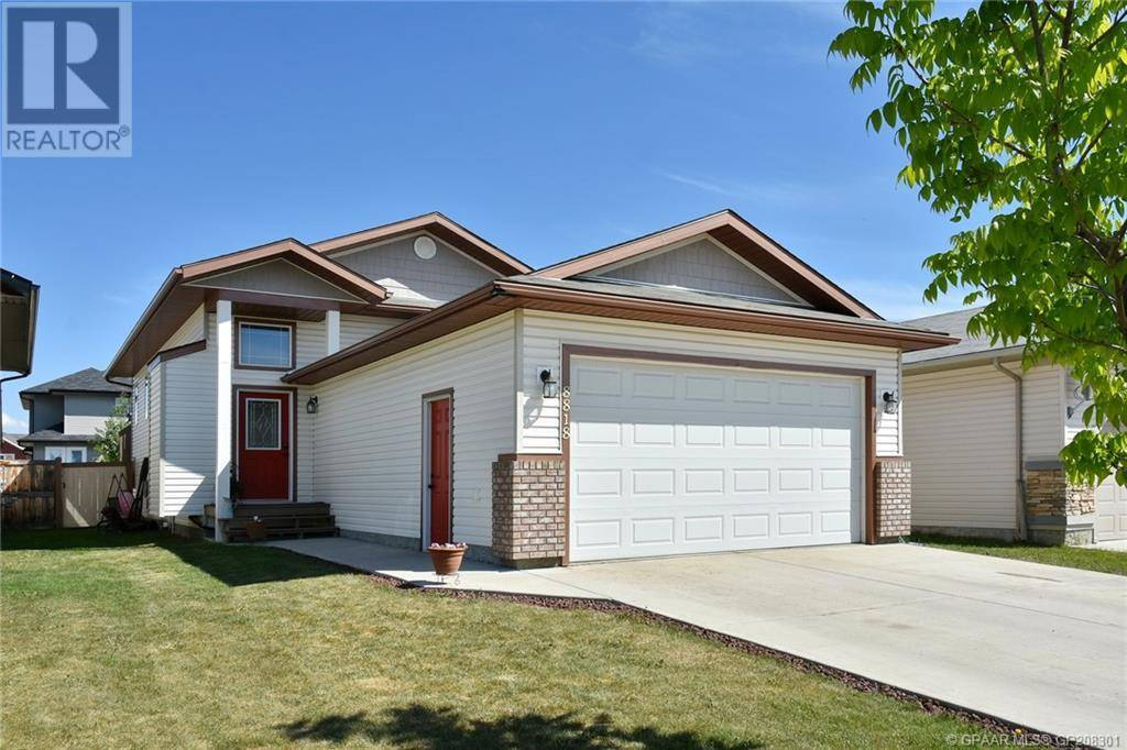 House for sale at 8818 72 Ave Grande Prairie Alberta - MLS: GP208301