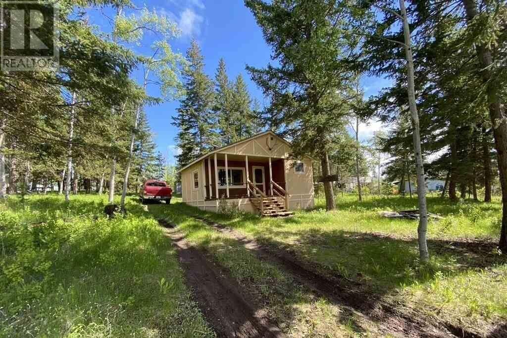 882 S Green Lake Road, 70 Mile House | Image 1