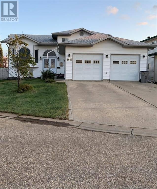 House for sale at 8822 108 Ave Grande Prairie Alberta - MLS: GP211754