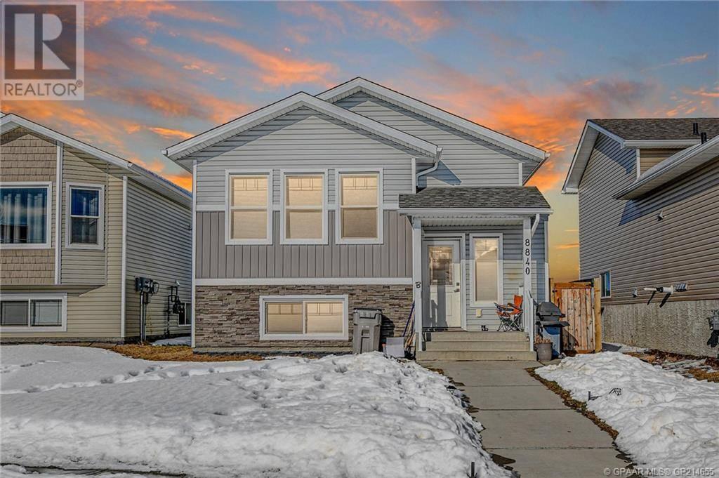 Townhouse for sale at 8840 96 Ave Grande Prairie Alberta - MLS: GP214655