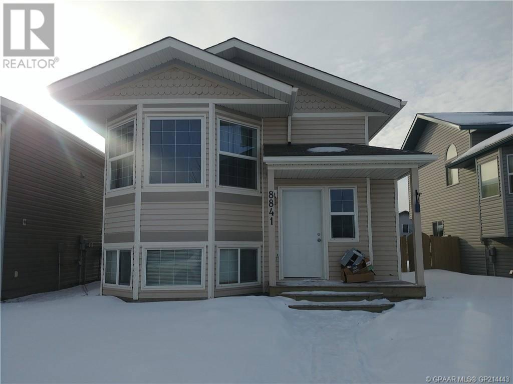 Townhouse for sale at 8841 72 Ave Grande Prairie Alberta - MLS: GP214443