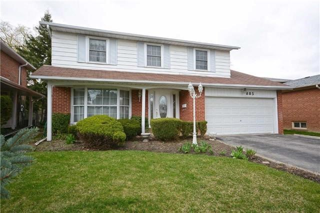 Sold: 885 Runningbrook Drive, Mississauga, ON