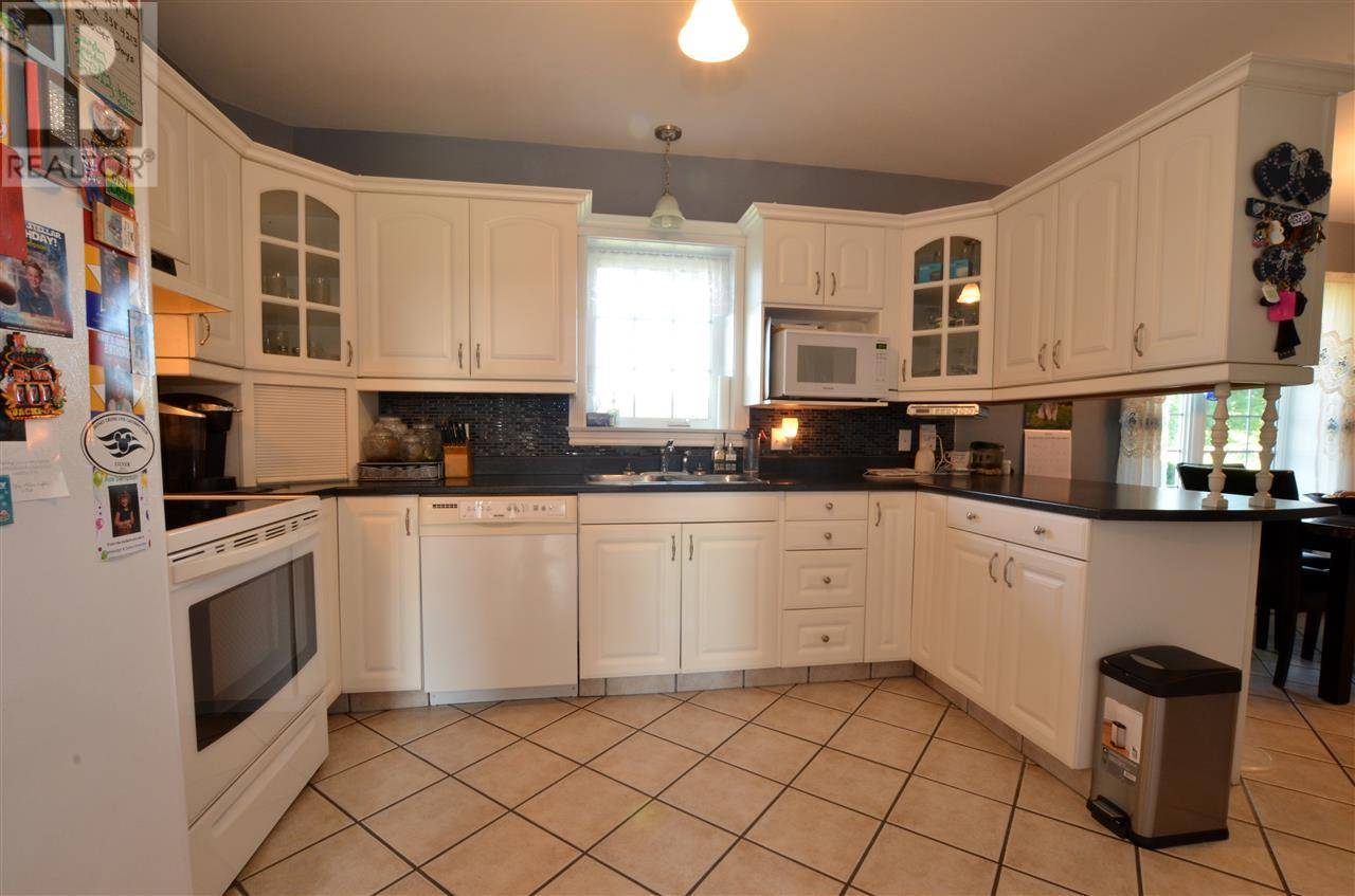 885 Thompson Road, Waterville   Image 2