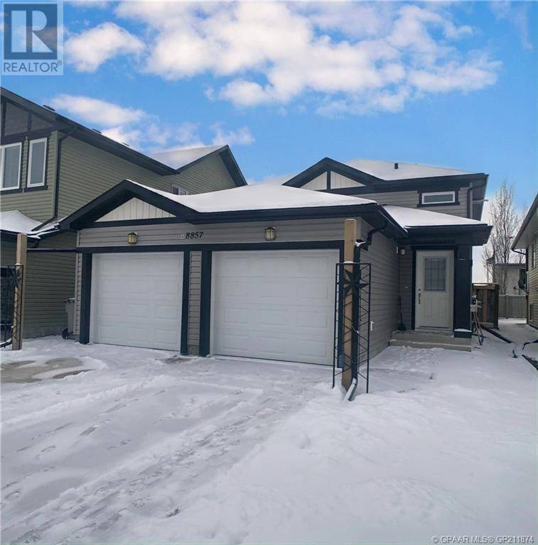 Townhouse for sale at 8857 96 Ave Grande Prairie Alberta - MLS: GP211874