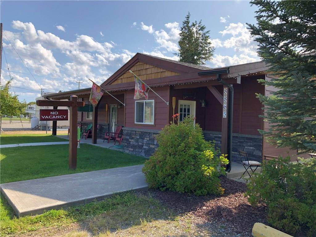 Residential property for sale at 8865 Grainger Road Rd Canal Flats British Columbia - MLS: 2439754