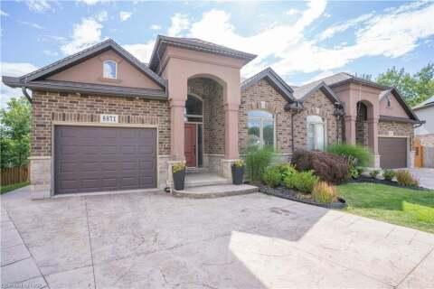Townhouse for sale at 8871 Silverstar Ct Niagara Falls Ontario - MLS: 40036172