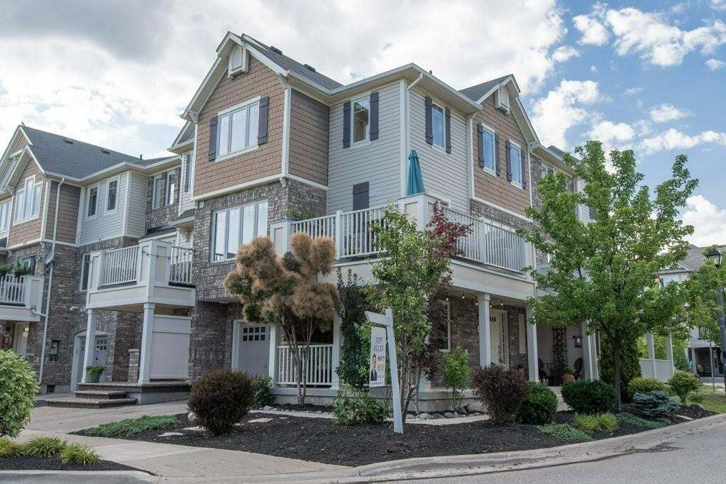 Townhouse for sale at 889 Jempson Path Milton Ontario - MLS: H4084224