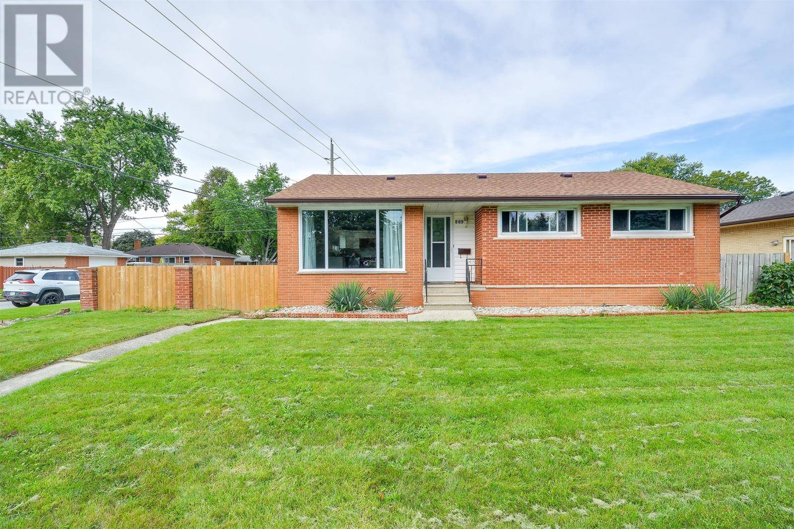 House for sale at 889 Riverdale  Windsor Ontario - MLS: 19026490