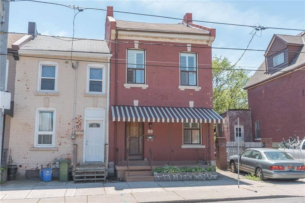 Townhouse for sale at 89 Barton St W Hamilton Ontario - MLS: H4058254