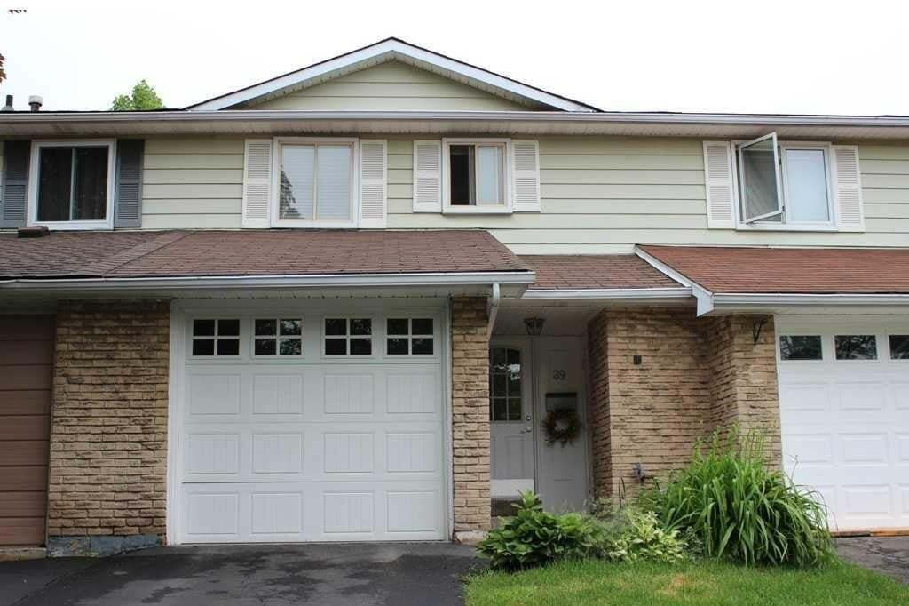 Townhouse for sale at 89 Gledhill Cres Hamilton Ontario - MLS: H4083798