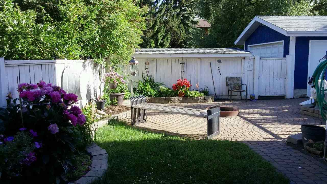 For Sale: 89 Greenwood Drive, Spruce Grove, AB   4 Bed, 2 Bath House for $325,000. See 15 photos!