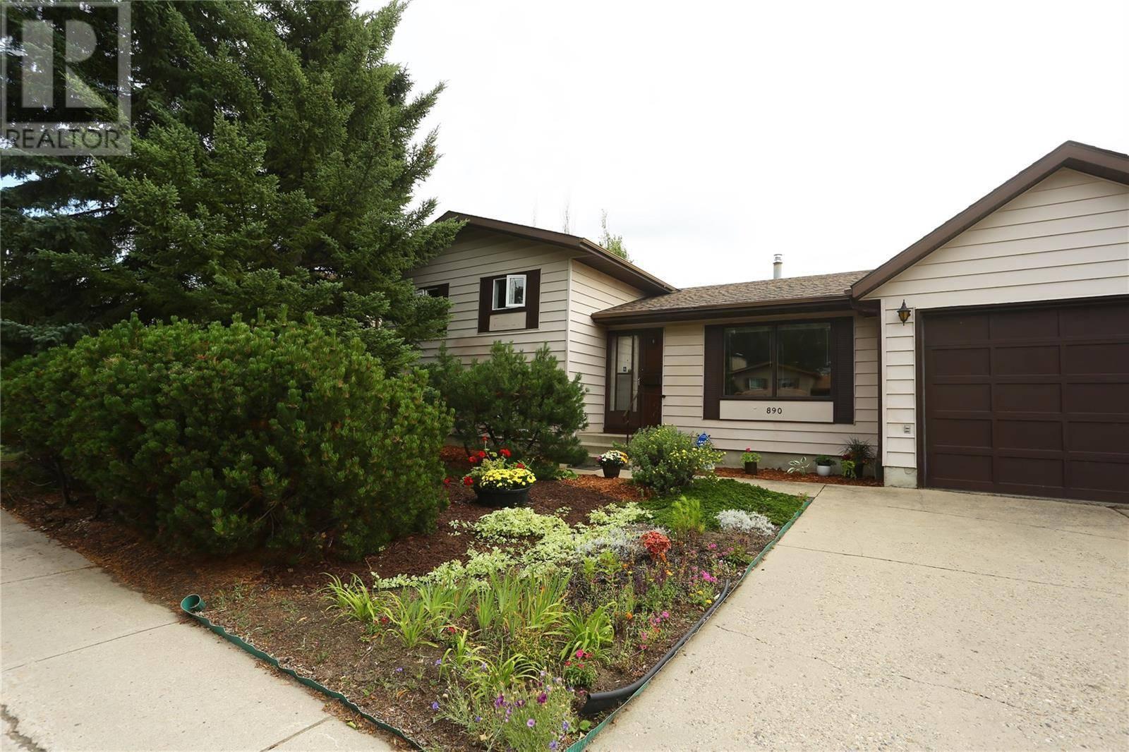 House for sale at 890 Kingsmere Blvd Saskatoon Saskatchewan - MLS: SK788981