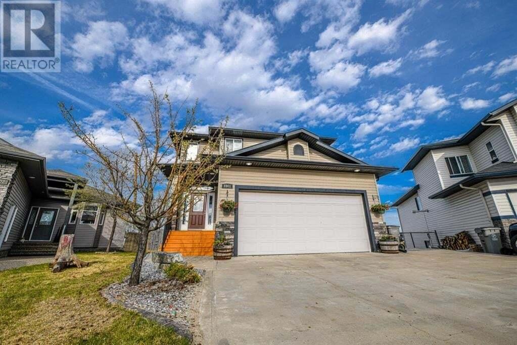 House for sale at 8901 131 Ave Grande Prairie Alberta - MLS: GP214630