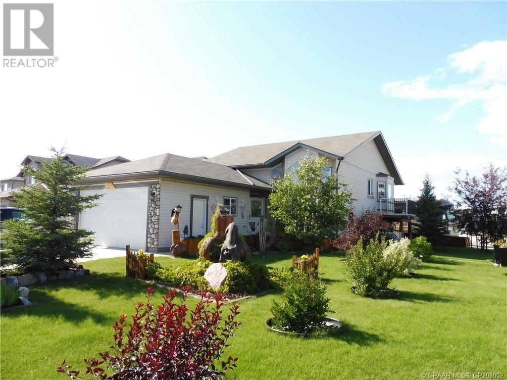 House for sale at 8902 72 Ave Grande Prairie Alberta - MLS: GP208002