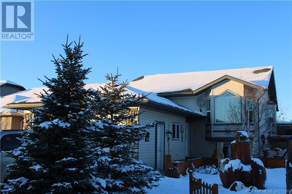 House for sale at 8902 72 Ave Grande Prairie Alberta - MLS: GP211775